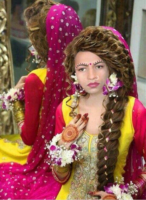 Desi dulhan | Pakistani bridal hairstyles, Pakistani bridal, Trendy wedding hairstyles