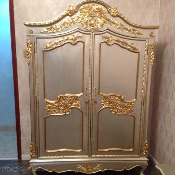 FRENCH GOLD SILVER ARMOIRE ▫️#INTERIOR#ClassicFurniture#InteriorStyling#InteriorDecorating#DreamHouse#ParisHomeOnlineInterior#DesignInterior#HomeDecor#Furniture#Deco#InteriorDesigner#Furnitures#InstaHome#InteriorInspiration#FrenchFurniture#Wedding#HomeDesign#FurnitureSg#Decor#HomeFurniture#FrenchFurniture#PaintedFurniture#FurnitureDesign#LuxuryHomes#Decorating#InstaDeco#SingaporeShopping#LuxuryFurniture ▫️CUSTOM SIZE & COLOR | All PRICE ENQUIRY to www.ParisHomeOnline.com…