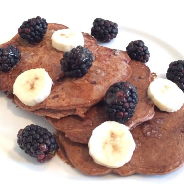 """""""Chocolate & blackberry Protein Pancakes! #ooooooosh  Get on these #LeanIn15 #pancakes cooked in @lucybeecoconut #foodie #foodporn #fitfam #fitness…"""""""