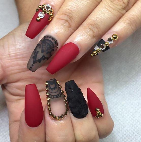 imagenes de uñas decoradas con piedras