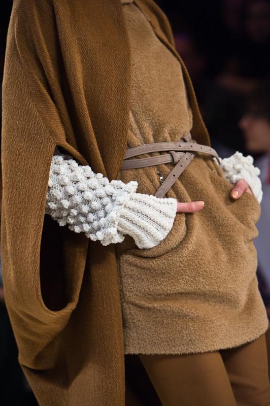 Anna Bubli -  knit on knit