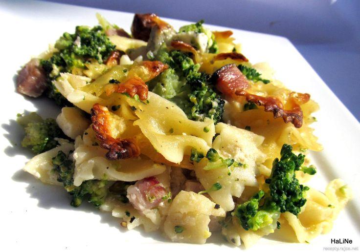 Nejedlé recepty: Těstoviny zapečené s brokolicí, smetanou a sýrem