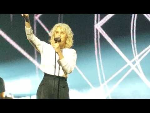 The enemy has been defeated -Hillsong United concert - YouTube