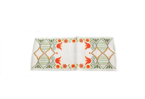 Lovely vintage handembroidered 60s Table runner. White with