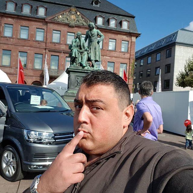 Offener Sonntag in Hanau😁 Auto Show 2017🤔 #hanau #offenersonntag #sonne #trend #autoshow #freiheitsplatz #Marktplatz #central #genieß #frei #fenomen #Türk #kaffee #folgen #like #Gefällt #takip #centralhanau #hit #star #celebritie #beautiful #DESIGNBYOGUZHAN