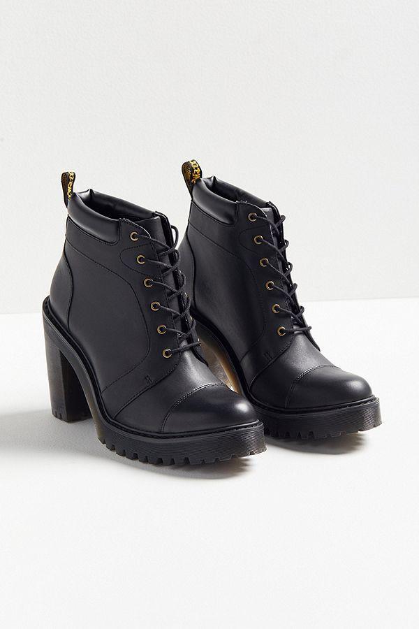 d662061937c Dr. Martens Averil Boot in 2019