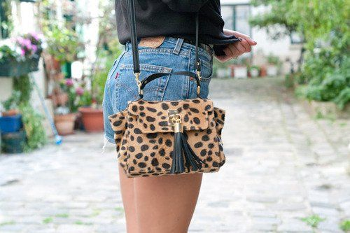 Animal Print is always in style (in small doses though!)    via STYLE MAVEN: Cheetahs, In Style, Leopards Pur, Street Style, Leopards Bags, Leopards Prints, Animal Prints, Photo, Side Bags