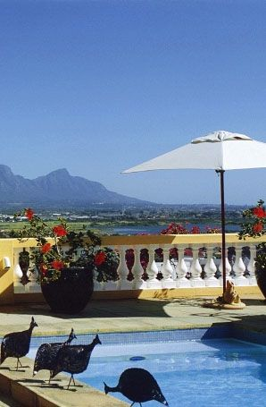 Cologna Castle in Greater Cape Town with panoramic views of Table Mountain