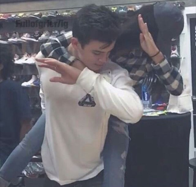 Hayes Grier with a fan dabbing. I want to be that fan!!!