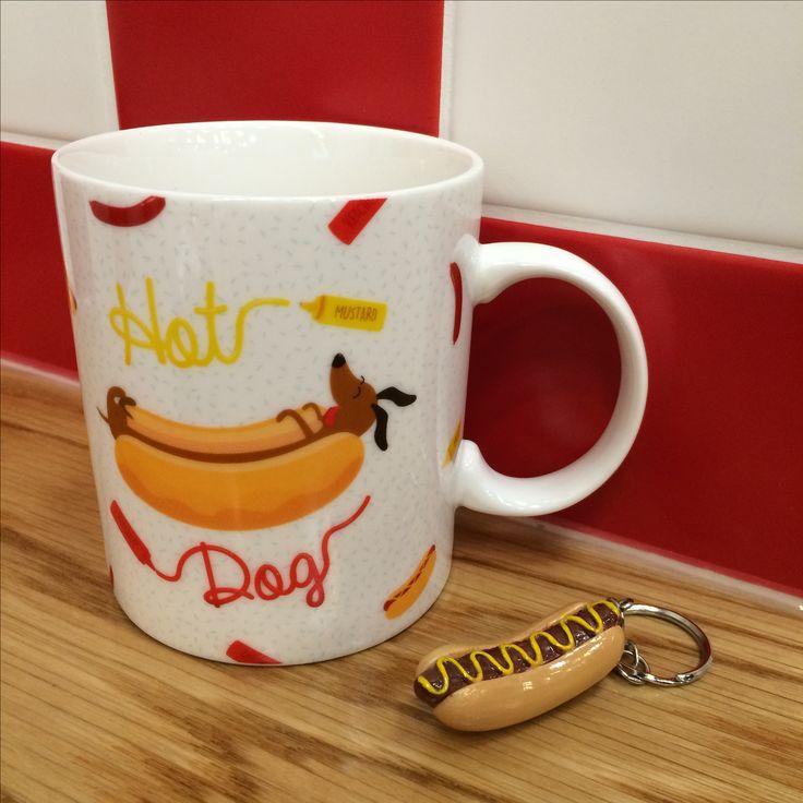 Hrnek z kolekce Hot Dog a klíčenka ve tvaru Hot Dog #HotDog #mug #keychain #hrnek