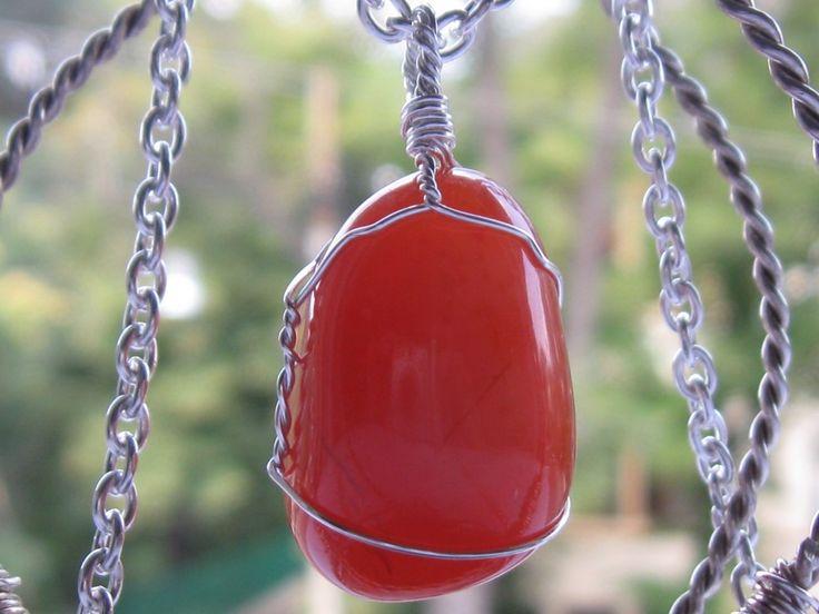 Carnelian agate pendant & silver necklace