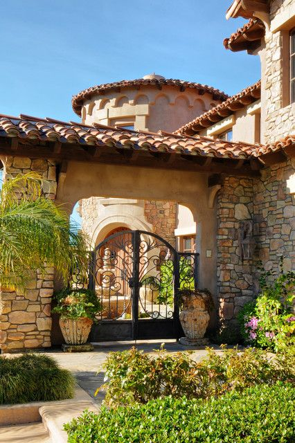 374 best images about spanish homes and spanish yards on for Mediterranean house style characteristics