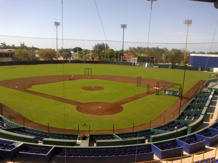 El estadio Resurgimiento de Ciudad del Carmen listo para el inicio de la temporada de la Liga Mexicana de Béisbol.