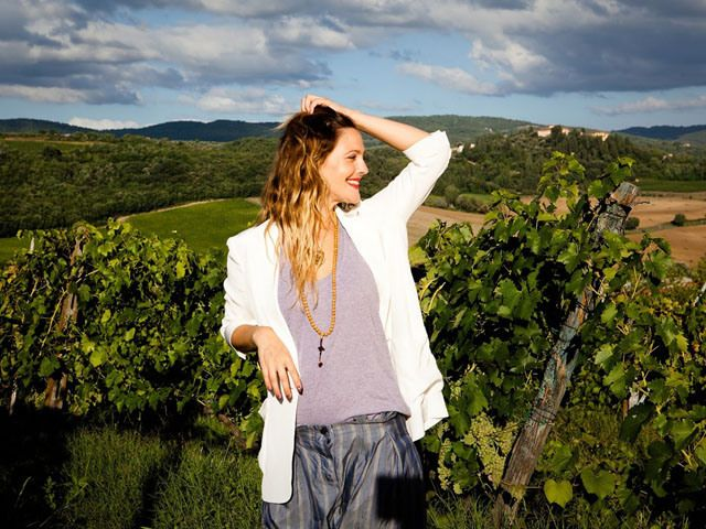 Weekend Cocktail: Drew Barrymore's Peppered Berry Wine Recipe | The Vivant