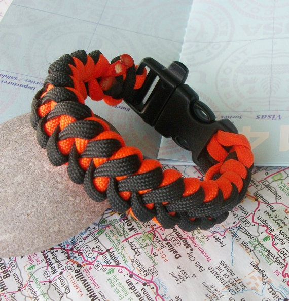 17 best images about learn to do paracord on pinterest for Cool things to do with paracord