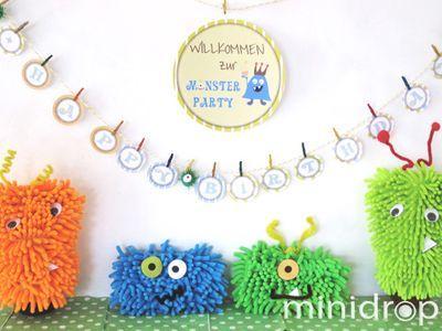 schnell gebastelte Monster aus Mikrofaser-Handschuhen/ monster out of microfibre cleaning gloves