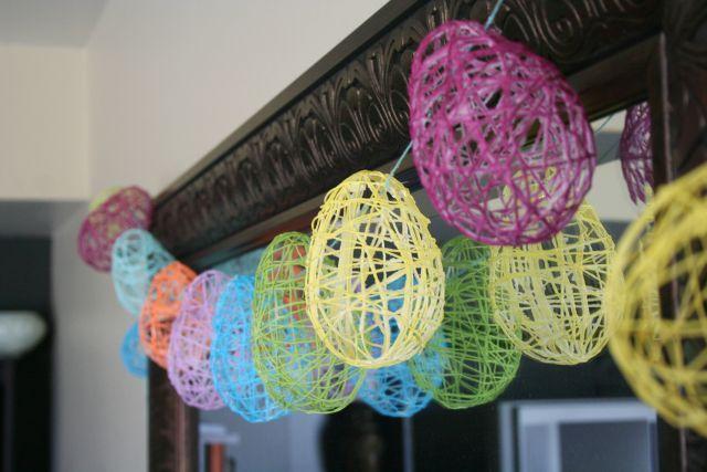 Easter decor: Eggs Garlands, Crafts Ideas, Decor Ideas, Easter Crafts, Easter Decor, Easter Eggs, Eggs Crafts, Water Balloon, Easter Ideas