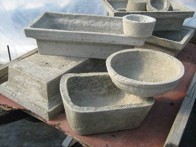 ❧ Papercrete. use 1 3/4 parts paper well pulped, 1 part portland cement, and 1/2 part perlite. Seems to make a very strong mix. After making the mold for the larger square containers I am working on more molds. The largest containers are 11″ X 19″ x 5″