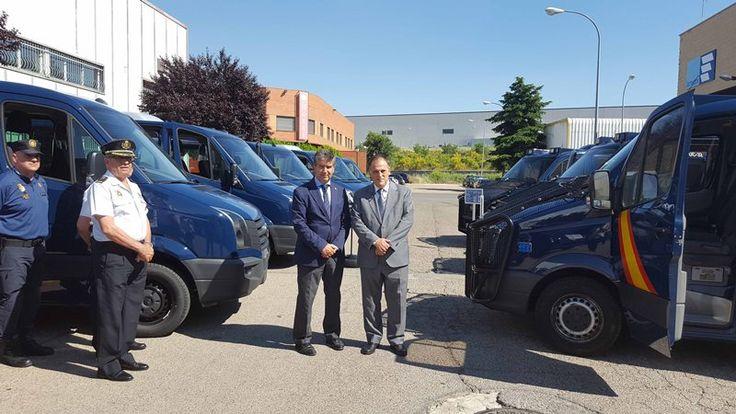 Periodico Digital de Málaga y Provincia – LaLiga dona siete furgonetas a la Policía Nacional para su uso operativo