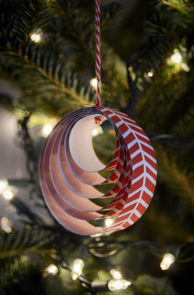 Easy DIY Paper Christmas Ornament. Print family names on each layer on the inside for a personal touch!