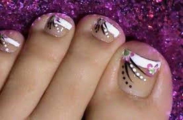 Tutorial on Short Nails Decorated