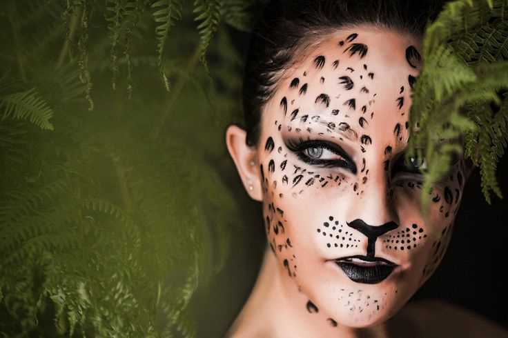halloween animal sexy face paint gems   Foto: Come creare un trucco leopardo per carnevale