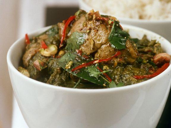 Grünes Curry mit Hähnchen ist ein Rezept mit frischen Zutaten aus der Kategorie Hähnchen. Probieren Sie dieses und weitere Rezepte von EAT SMARTER!