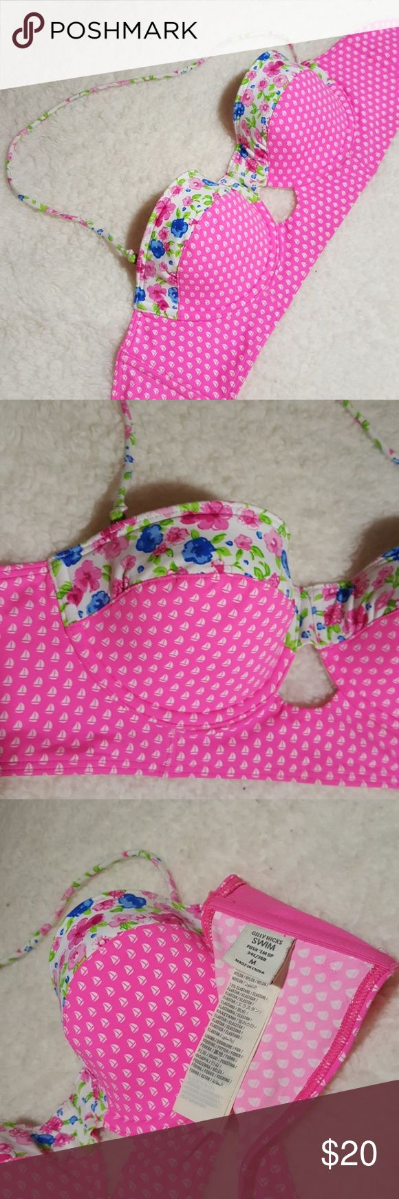 Gilly hicks swin top Floral and sail design in  great condition. Like new just too small Gilly Hicks Swim