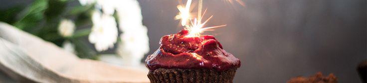 Freeletics Nutrition wird 1 Jahr alt! Feier mit uns und probiere diese köstlichen und gesunden Geburtstagsmuffins.