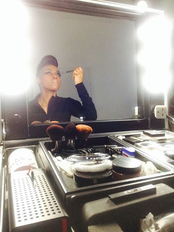 #Skye Edwards, #Morcheeba, with her #Cantoni case. Backstage of the Morcheeba tour 2014 - Moscow