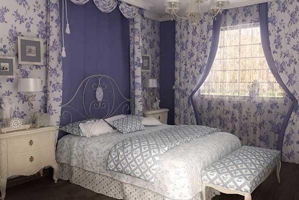 Спальня во французском стиле – воплощение романтики и нежности