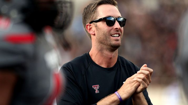 Gorgeous Texas Tech Coach Flirts As Recruitment Technique