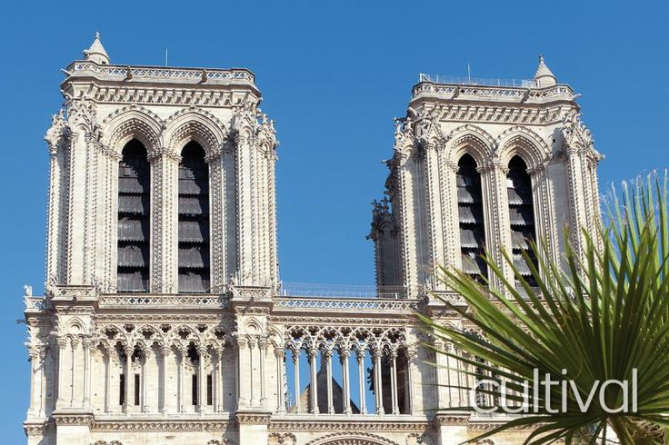 As a privileged visitor, access the Towers of the Notre Dame Cathedral outside of open-to-public hours. Discover the symbol of medieval Paris avoiding crowds with Tourboks!