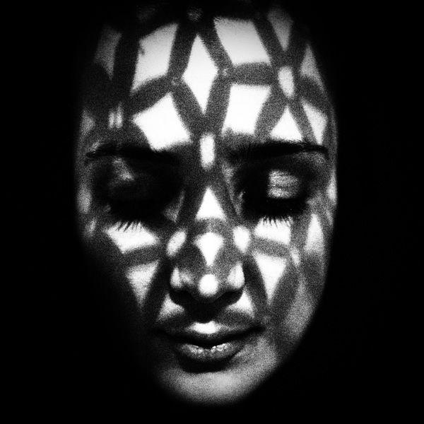 50 Most Strange & Haunting Black and White Portraits - 121Clicks.com