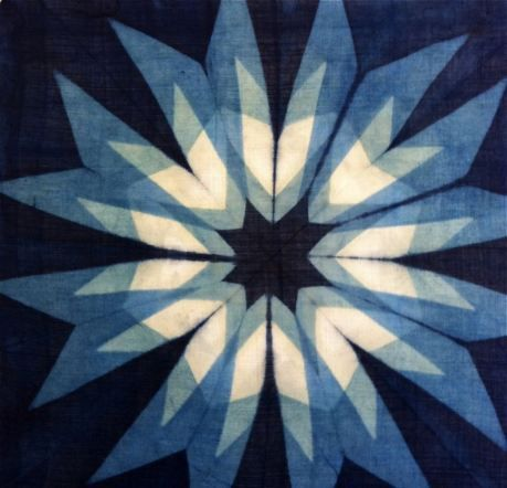 Shibori  Like the Design would be interesting to try to recreate on a quilt