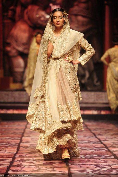 India Bridal Fashion Week 2013 : Suneet Verma Bridal Collection !