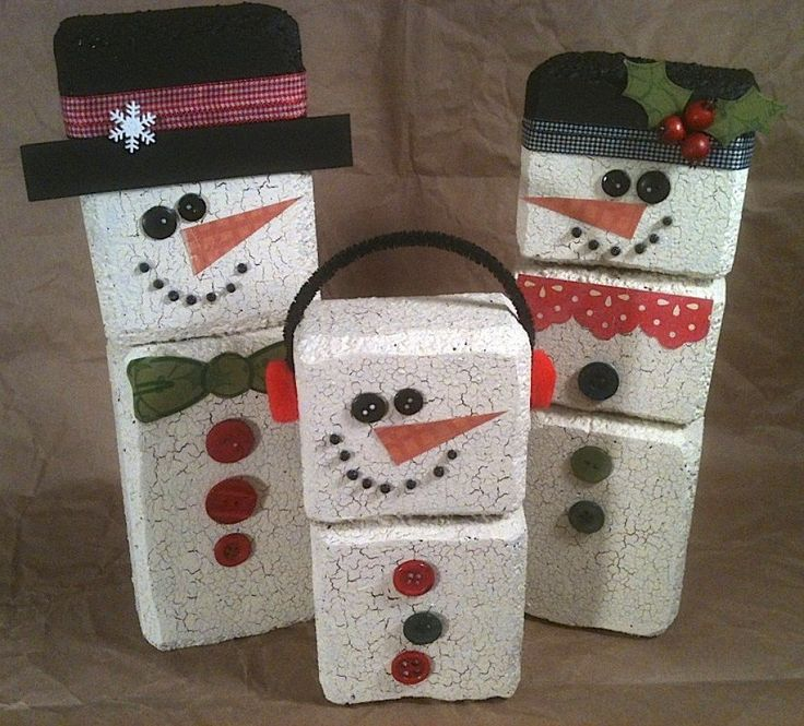 Ideas to make Styrofoam crafts using Styrofoam sheets, blocks, eggs and balls.  Ideas for making beautiful Christmas and seasonal decorations: snowmen, turkeys, pumpkins and flowers are a few examples