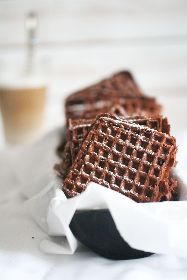 // chai latte waffles // i totally just translated this whole recipe online. That's how badly I want them <3