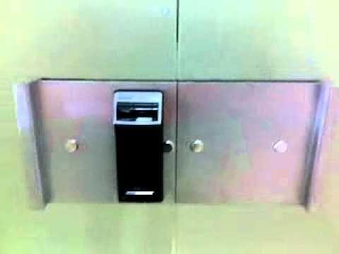 Fechaduras Especiais Yale para porta de vidros com impressão digital e s...