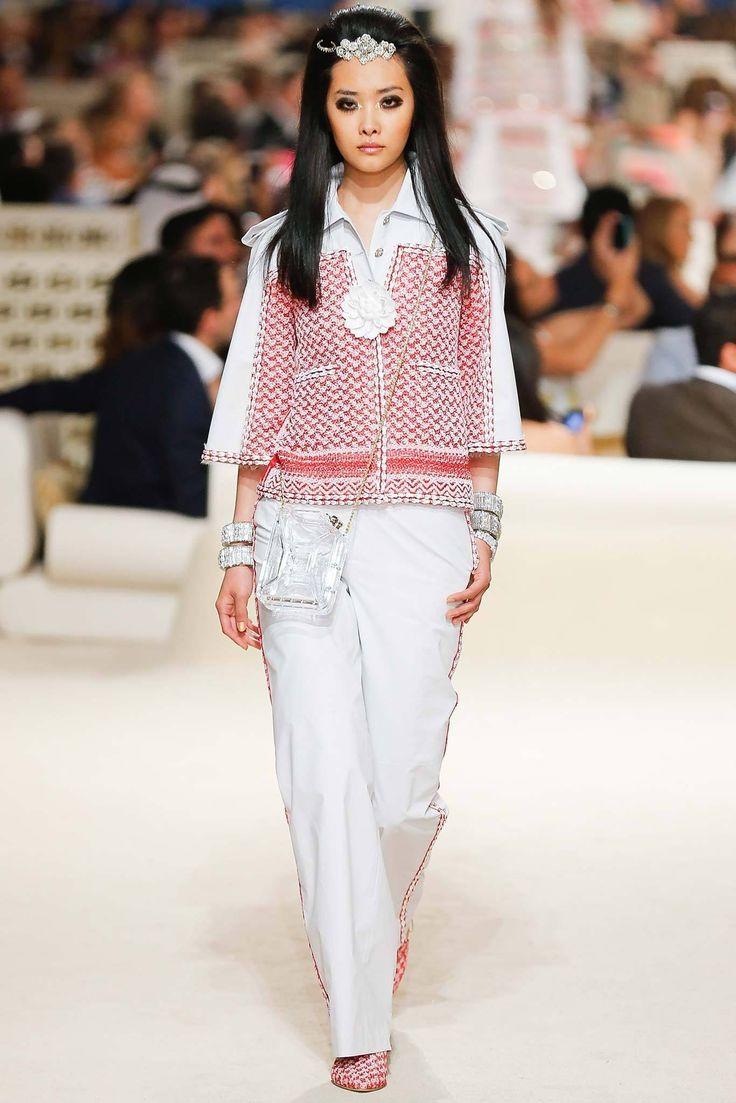 Chanel Resort 2015 Fashion Show - Ji Young Kwak