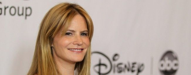 Jennifer Jason Leigh décroche le rôle principal féminin de The Hateful Eight, le prochain Quentin Tarantino.