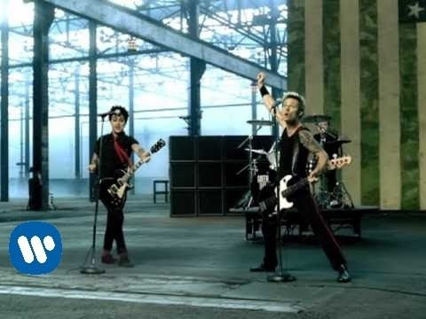 "Green Day - ""American Idiot"" [OFFICIAL VIDEO] Watch The Best Green Day Official Videos Here: http://www.youtube.com/playlist?list=... http://www.greenday.com/ http://www.facebook.com/GreenDay http://twitter.com/greenday http://www.youtube.com/user/greenday (subscribe) http://itunes.apple.com/us/artist/gre..."