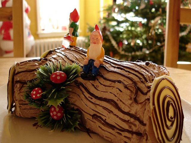 peppermint yule log by mypapercrane, via Flickr
