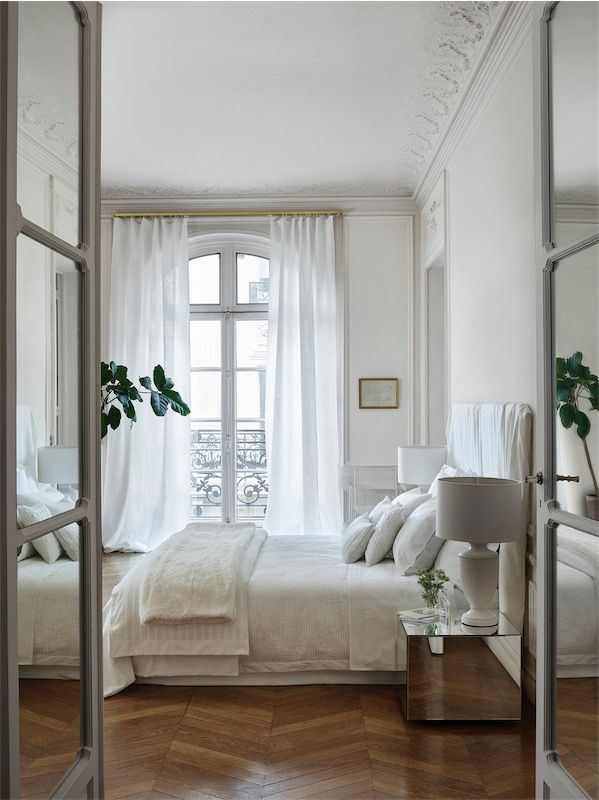 Love white & gold interior chicanddeco