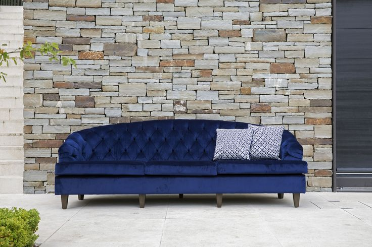 Coco Wolf outdoor Percalo chesterfield sofa in outdoor Holly Hunt velvet