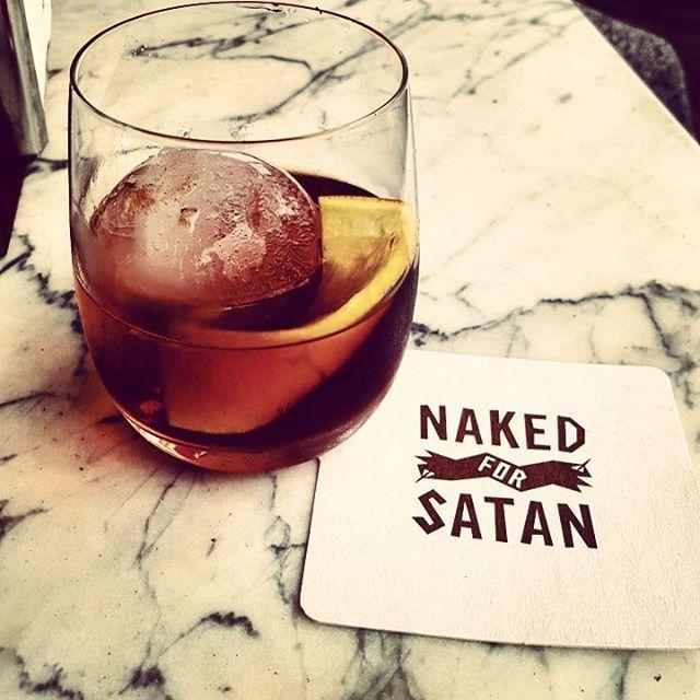#nakedforsatan #nakedinthesky #melbournebars #melbournelife #rye #rittenhouseryewhiskey #strega #averna #cocktailsfordays #cocktaildreams