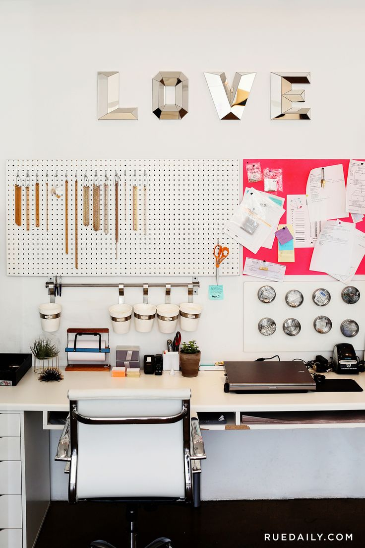 Jewelry Designer Zoë Chicco Welcomes Us Into Her Bright LA Studio | Rue
