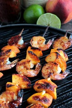 These grilled shrimp and peach kabobs pair perfectly with a bottle of Mâcon-Villages or Beaujolais-Villages!