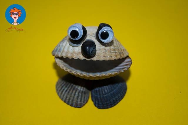 Figuren maken met schelpen!