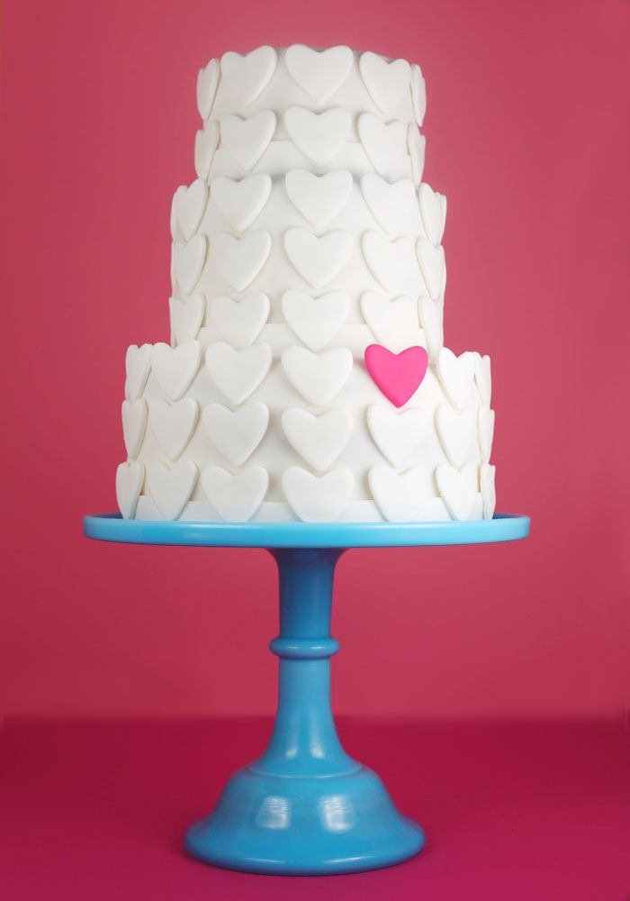 Love this Valentine's cake from @Bakerella: Cakes Ideas, Valentines Cakes, Pink Heart, Valentines Day, Blue Cakes, Wedding Cakes, Cookies Cutters, Cakes Stands, Heart Cakes